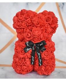 Macko z ruží 25 cm červený