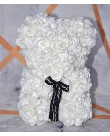 Macko z ruží 25 cm biely