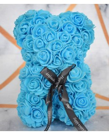 Macko z ruží 25 cm bledomodrý