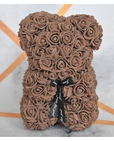 Macko z ruží 25 cm kávový