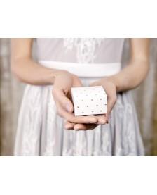 Papierová krabička biela so vzorom srdce, 6 x 3,5 x 5,5 cm
